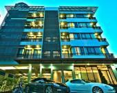 現代沙吞酒店