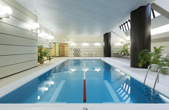 東京希爾頓酒店(Hilton Tokyo)室內游泳池