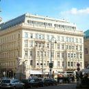 立鼎世酒店集團-維也納薩赫酒店