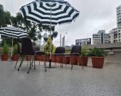 藏紅花酒店