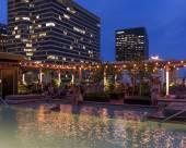 新奧爾良埃斯酒店