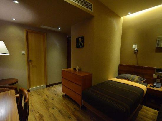 香港雲浦酒店(VP Hotel)經典雙床房