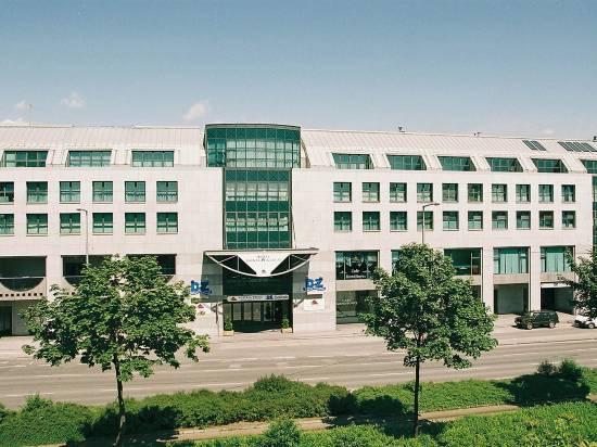 多瑙城中心阿克泰爾酒店