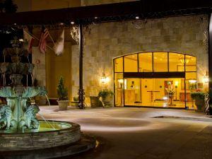 希爾頓奧蘭治縣機場逸林酒店(DoubleTree by Hilton Orange County Airport)