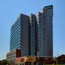 麗笙及套房福爾斯維尤酒店(Radisson Hotel & Suites Fallsview)