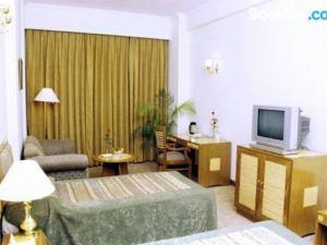 梅雷德大酒店(Hotel Meraden Grand)