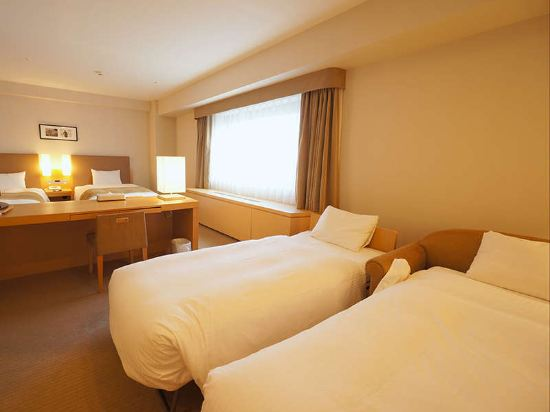 Sapporo View Hotel Oodori Kouen, Hotel reviews, Room rates and ...