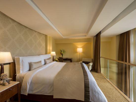 新加坡富麗敦酒店(The Fullerton Hotel Singapore)閣樓套房