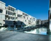 高架橋海港水濱奢華附泳池桑拿與健身房酒店