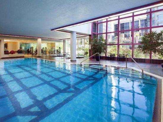 温哥華喜來登華爾中心酒店(Sheraton Vancouver Wall Centre)室內游泳池