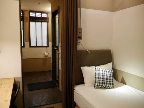 台北德立莊酒店-昆明館(Hotel Papa Whale)舒適單人房(無窗)