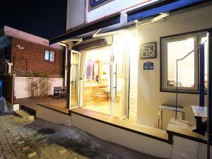 首爾立方體梨花旅店(Seoul Cube Ewha)