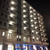 學生普拉斯之家酒店
