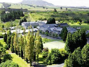 陶波懷拉基度假酒店(Wairakei Resort Taupo)