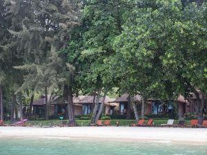 甲米圖卡日落海灘度假酒店(Tup Kaek Sunset Beach Resort Krabi)