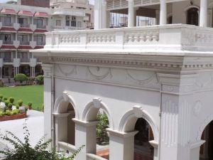 蘇里亞酒店(Hotel Surya)