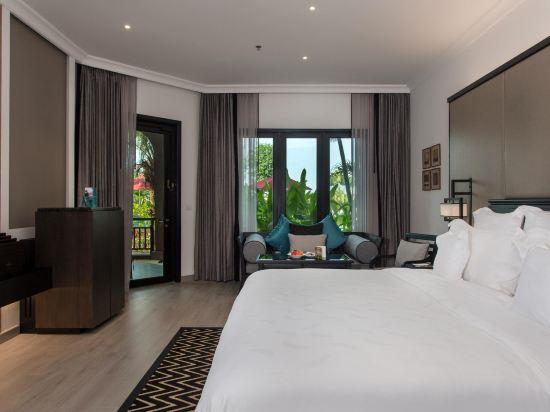 芭堤雅洲際度假酒店(InterContinental Pattaya Resort)池景露台洲際俱樂部套房