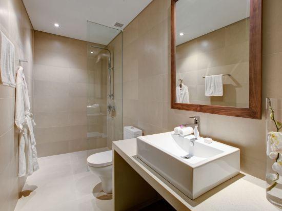 樂卡爾特峴港海灘酒店(A La Carte Da Nang Beach)明亮一室公寓