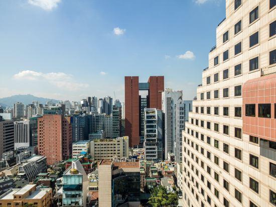 首爾艾美酒店(原,首爾麗思卡爾頓酒店)(Le Meridien Seoul)外觀