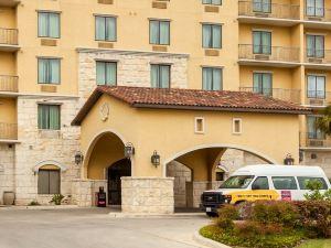 康福特套房阿拉莫河濱大道酒店(Comfort Suites Alamo/River Walk)