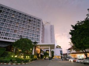 曼谷摩天酒店(The Montien Hotel Bangkok)