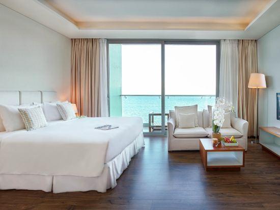 樂卡爾特峴港海灘酒店(A La Carte Da Nang Beach)海景明亮高級一室房(帶陽台)
