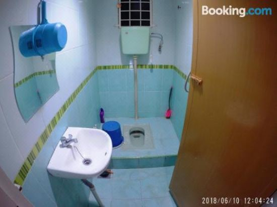 Fbs Guesthouse Dungun, Hotel reviews and Room rates