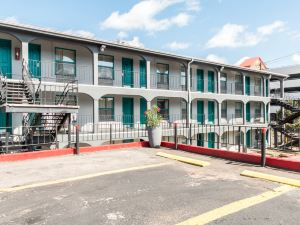 羅德威大學市中心酒店(Rodeway Inn University/Downtown)