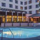 廣場套房酒店(The Plaza Suites Hotel)