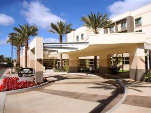 聖塔安那約翰韋恩機場/奧蘭治郡萬怡酒店