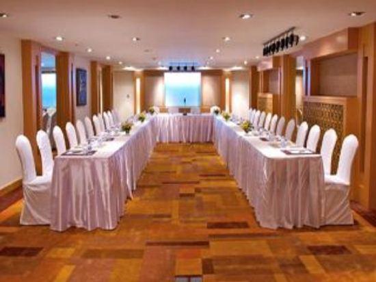曼谷素坤逸11號美居酒店(Mercure Bangkok Sukhumvit 11)會議室