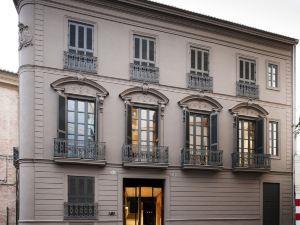 卡羅酒店(Caro Hotel)
