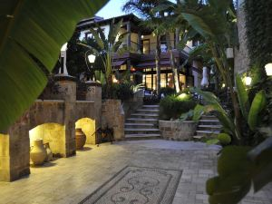 圖瓦納酒店(Tuvana Hotel)