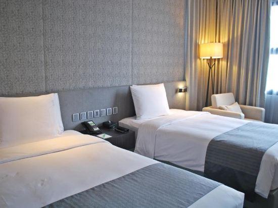 曼谷素坤逸假日酒店(Holiday Inn Bangkok Sukhumvit)尊貴客房