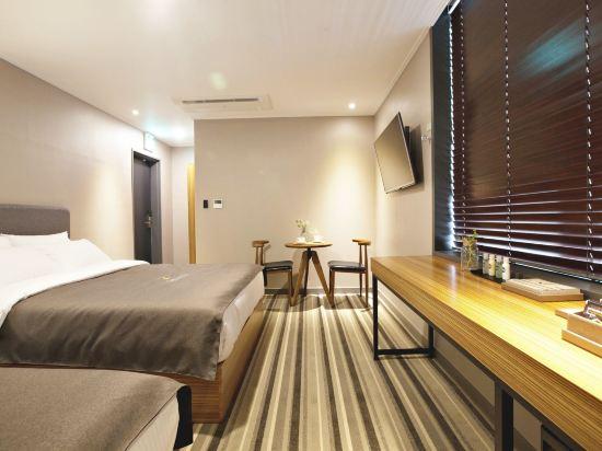 GnB酒店(GNB Hotel)豪華雙床房