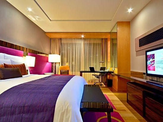 曼谷拉差阿帕森購物區萬麗酒店(Renaissance Bangkok Ratchaprasong Hotel)豪華房