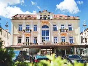 藝術中心酒店