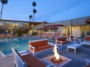 德爾馬科斯酒店(Del Marcos Hotel)