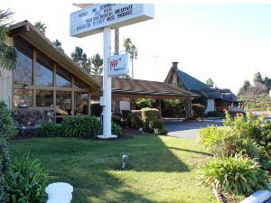 聖克拉拉伊里爾汽車旅館(Hotel E Real Santa Clara)