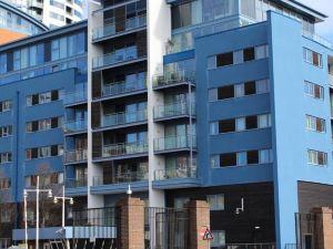 岡沃夫碼頭公寓(Gunwharf Quays Apartments)