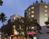 雷金塔廣場旅館