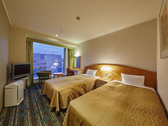 品川王子大飯店(Shinagawa Prince Hotel)主塔樓低層雙床房