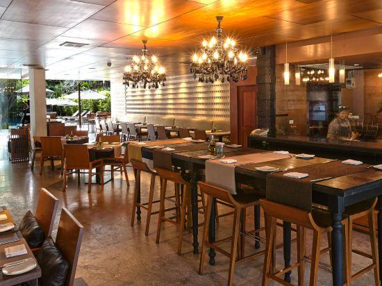 兀蘭酒店芭堤雅度假村(Woodlands Hotel and Resort Pattaya)餐廳