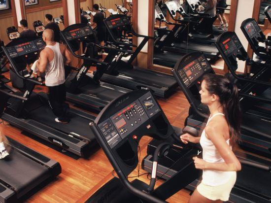 新加坡費爾蒙酒店(Fairmont Singapore)健身娛樂設施