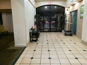 紐黑文拉奎塔旅館及套房(La Quinta Inn & Suites New Haven)