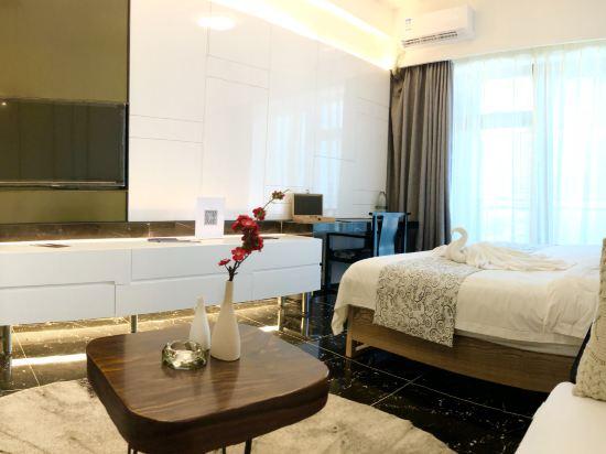 星倫保利國際公寓(珠海橫琴口岸長隆店)(原凱迪國際公寓)(Xinglun Poly International Apartment (Zhuhai Hengqin Port Changlong))現代中式典雅大床房
