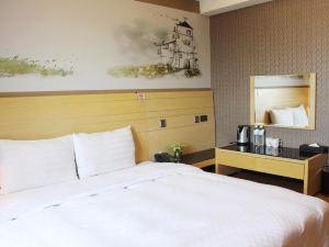 台中夢想12旅店(Dream 12 Hotel)