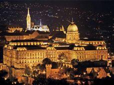 德国+奥地利+捷克+匈牙利9日跟团游·【可选巴黎或斯图加特集散】世界文化遗产城市布拉格+多瑙河明珠布达佩斯+音乐之都维也纳+初遇东欧罗巴的中古气息