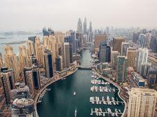迪拜+阿布扎比5日4晚私家团(4钻)·【一单一团·行程管家】八星皇宫午餐+冲沙登塔+法拉利主题公园+阿布扎比卢浮宫+谢赫扎耶德清真寺+自由组合4钻酒店