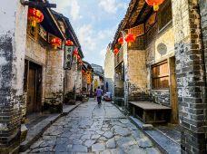 中国广西黄姚古镇+姑婆山2日1晚私家团·【携程自营 一单一团 】即接即走~ |揽山汇水 私密时光||金樽对月 佳遇良人|